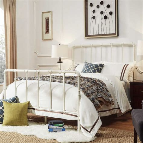 White Iron Beds by Best 25 White Iron Beds Ideas On Black Iron