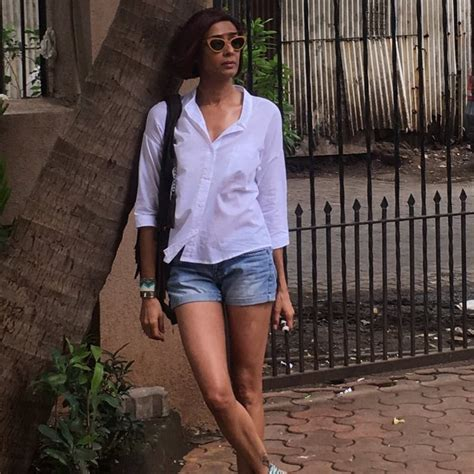 bookmyshow meerut achint kaur photo gallery latest images pictures