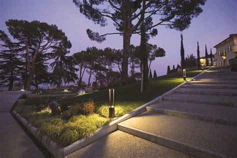 illuminazione viali paletto luminoso a led tris 900 paletto luminoso platek