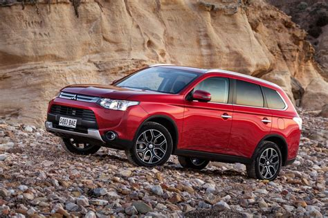 mitsubishi outlander sport 2014 red my14 5 mitsubishi outlander on sale from 27 740