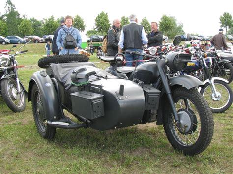 Motorrad Mit Beiwagen Oldtimer by Dnepr Fotos Fahrzeugbilder De