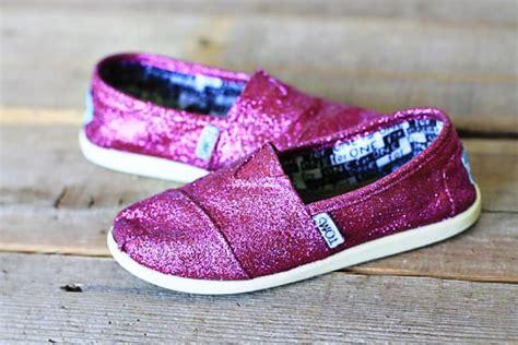 diy toms shoes diy sparkle toms shoes mod podge rocks