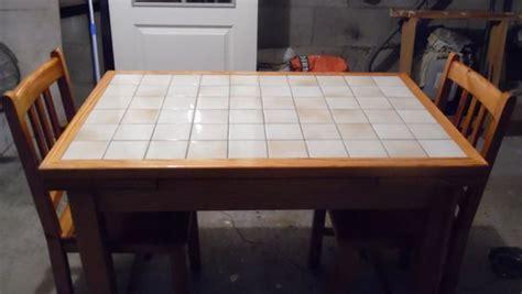 table cuisine pin massif table cuisine carrel 233 e chaises clasf