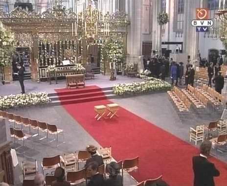 galería de la ceremonia religiosa en la iglesia de nieuwe