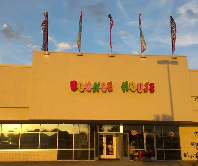 bounce house on 8 mile contact us detroit michigan the bounce house detroit