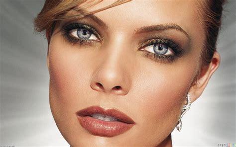 wallpaper girl eyes jaime pressly beautiful eyes wallpaper 905 open walls