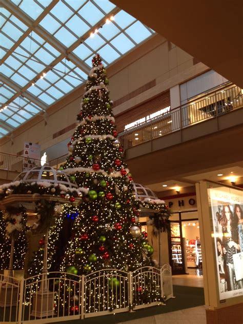 2013 12 03 16 37 38 lenox square mall christmas tree