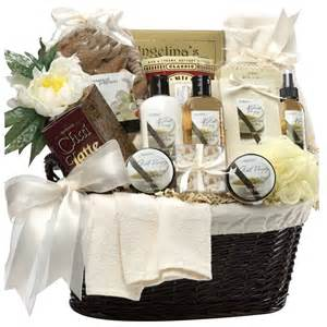Honeymoon Gift Basket Memorable Wedding Unique Wedding Gift Baskets For The Newlyweds