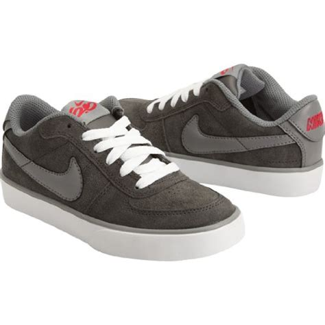 What Shoes Are Trendy For Teenage Boys | latest trends in footwear for boys beautiful nike shoes