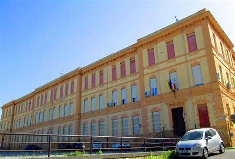 ufficio delle entrate lucca ribera l agenzia delle entrate a scuola all istituto