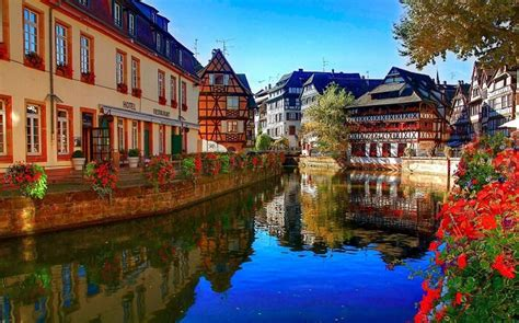 incredibly charming places  visit  france