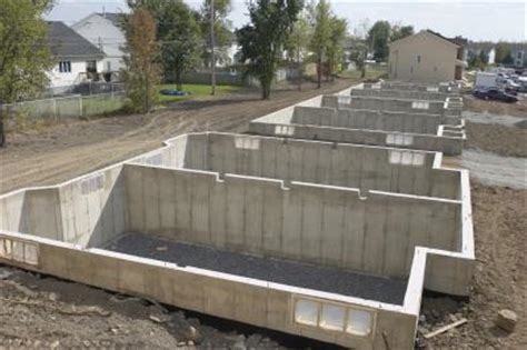 slab vs crawl space foundation raised slab and crawl space vs basement decking