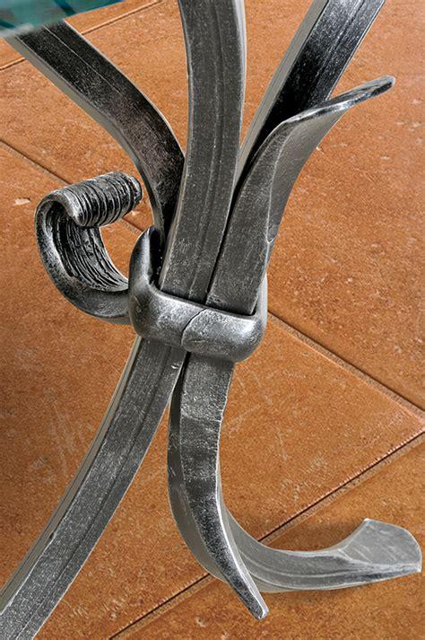 tavoli in ferro battuto per interni tavolini in ferro battuto per interni basi per tavoli in