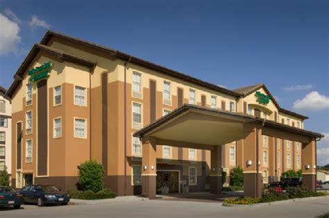 hotels with in room in lafayette la pear tree inn lafayette lafayette la drury hotels hotels