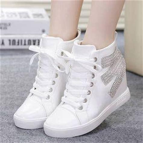 Sepatu Adidas Wanita Putih sepatu kets boots putih wanita model terbaru murah cantik