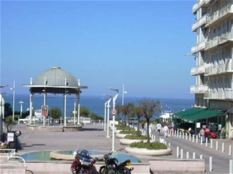Location Biarritz Pays Basque Pyr 233 N 233 Es Atlantiques Bureau De Change Biarritz