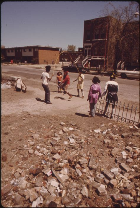 south side chicago housing projects file black children play outside the ida b wells homes one of chicago s oldest housing