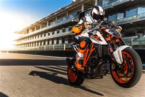 Ktm Motorrad Erfahrung by Ktm 1290 Super Duke R Test T 246 Ff S Bilder Technische Daten