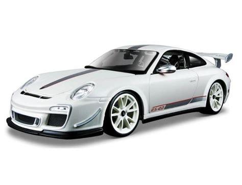 Burago 1 18 Scale Diecast 18 11036 Porsche 911 Gt3 Rs 4 0 White burago 1 18 porsche gt3 rs 4 0 diecast model b18 11036 163 35 99