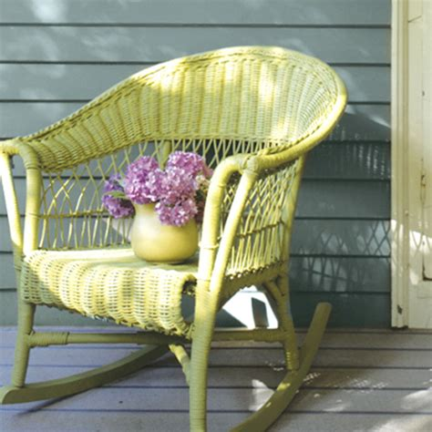 painting wicker patio furniture