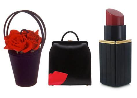 Lulu Guinness Shaped Handbags by Lulu Guinness Celebrates 25 Years Of Novelty Handbags