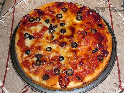 ricetta pizza fatta in casa pizza fatta in casa ricetta preparazione pizza ptt ricette