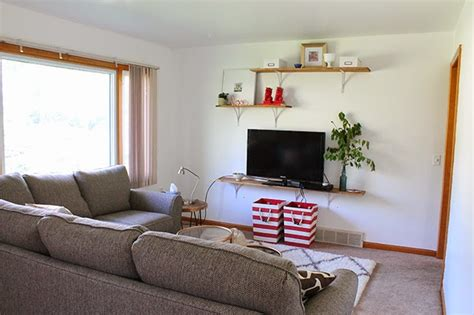 amanda the living room this 25 year completely transformed living room on a budget the everygirl