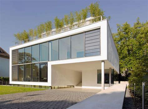 material fasad bangunan   digunakan kontraktor