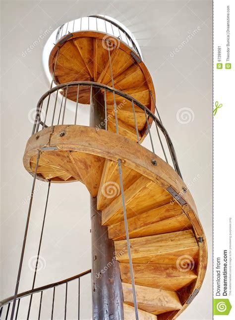 wenteltrap oud oude houten wenteltrap stock afbeelding afbeelding