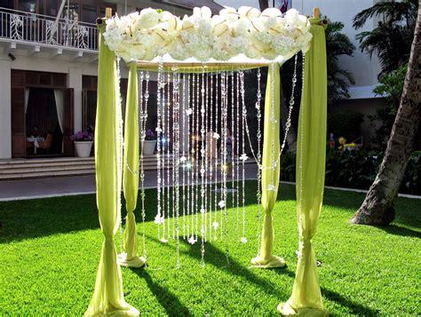 decorating ideas for a wedding arch