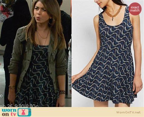 Modern Family Wardrobe by Wornontv Haley S Blue Wave Print Dress And Green Jacket