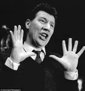 Max Bygraves dead: Veteran entertainer dies aged 89 after