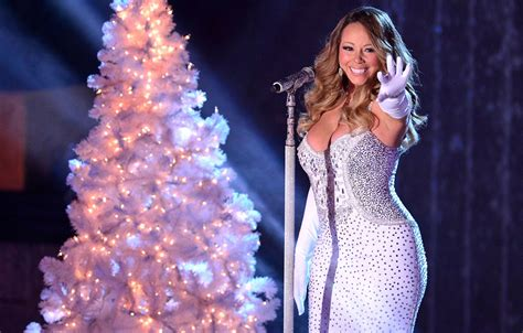 mariah carey apologizes for tree lighting drama rain now