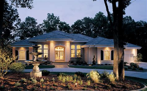 luxury one story house plans luxury ranch home with stucco exterior