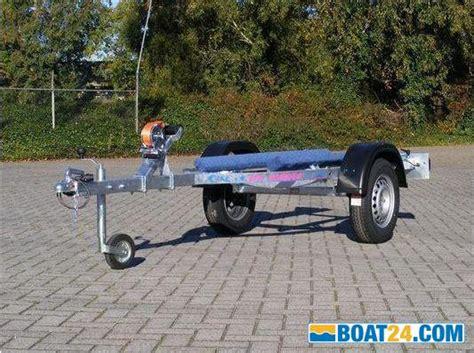 das boot trailer italiano jet loader small trailer eur 890 zu verkaufen boat24