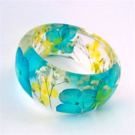 where can i buy to make jewelry 25 best ideas about resin jewelry tutorial on
