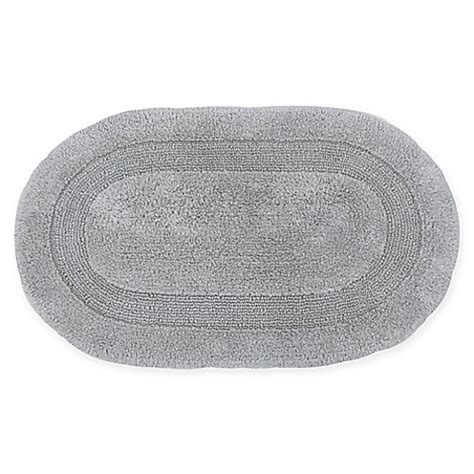 oval bathroom rug buy visaaj reversible 21 inch x 34 inch oval bath