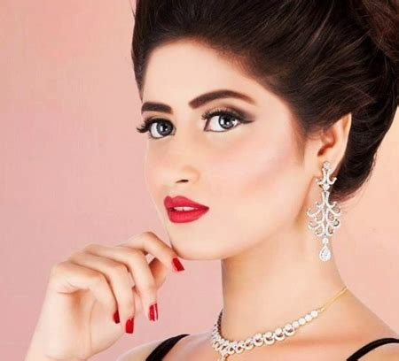 sajal ali biography wiki biodata age weight height date of