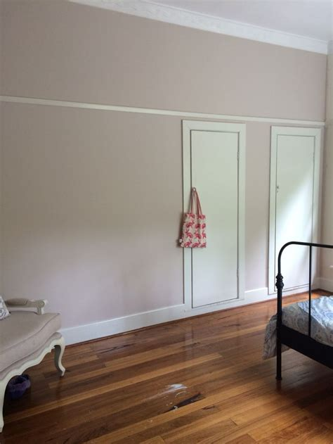 wall colour dulux buff  trim dilux china white bedroom