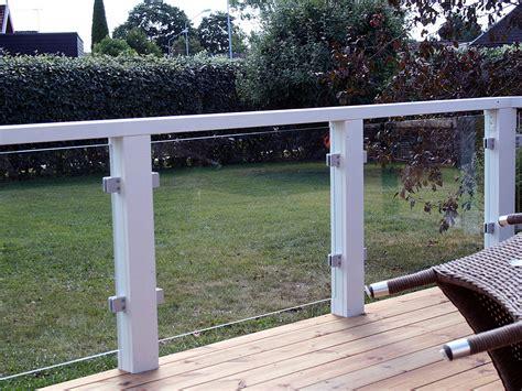 terrassenumrandung bilder terrassengel 228 nder ma 223 gefertigte baus 228 tze mit glas