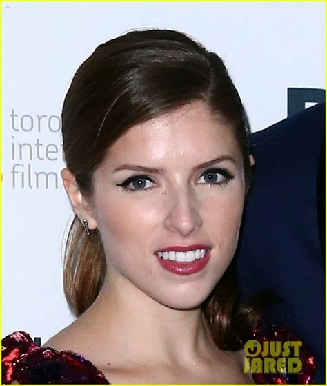 anna kendrick voice over ryan reynolds makes us swoon at the voices tiff premiere