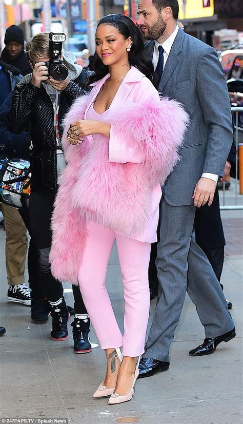 Rihana Syari Pink rihanna wears to toe pink for morning america in