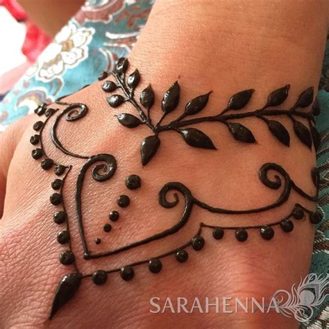 tattoo artist that do henna best 20 mehndi ideas on henna patterns