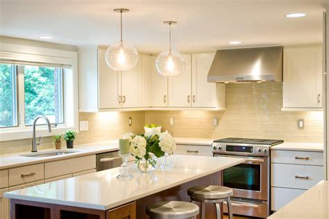 Light Kitchen Transitional With Cream Tile Backsplash