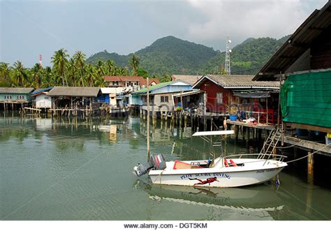 housing boat thailand boat housing stock photos thailand boat housing