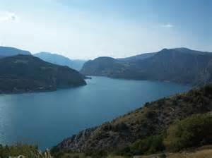 les flots bleus savines le lac avis cing
