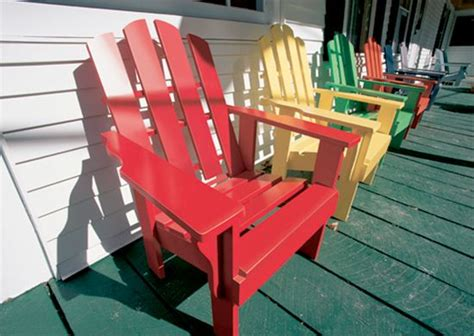 painting wood patio furniture 1000 ideas about painted outdoor furniture on