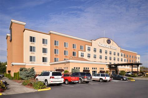 comfort inn by the airport comfort suites airport tukwila washington wa