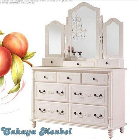 Meja Rias Putih meja rias laci putih furniture jepara cahaya mebel jepara