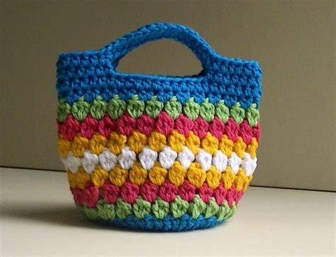 Knit Cover Chain Cross Bag cluster stitch bag crochet free crochet patterns